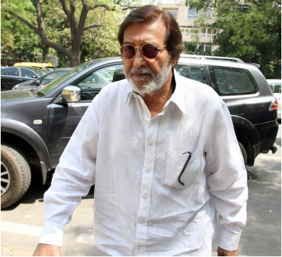Stars who attended Vinod Khanna's prayer meeting