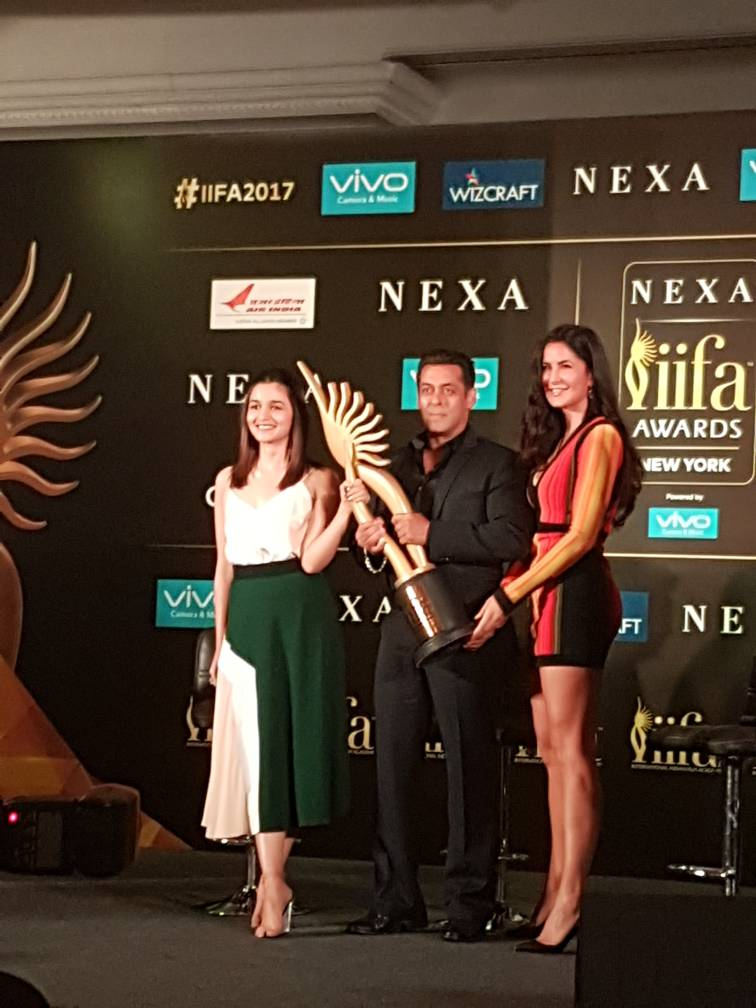 IIFA awards 2017 with Salman Khan , Katrina Kaif and Alia bhatt