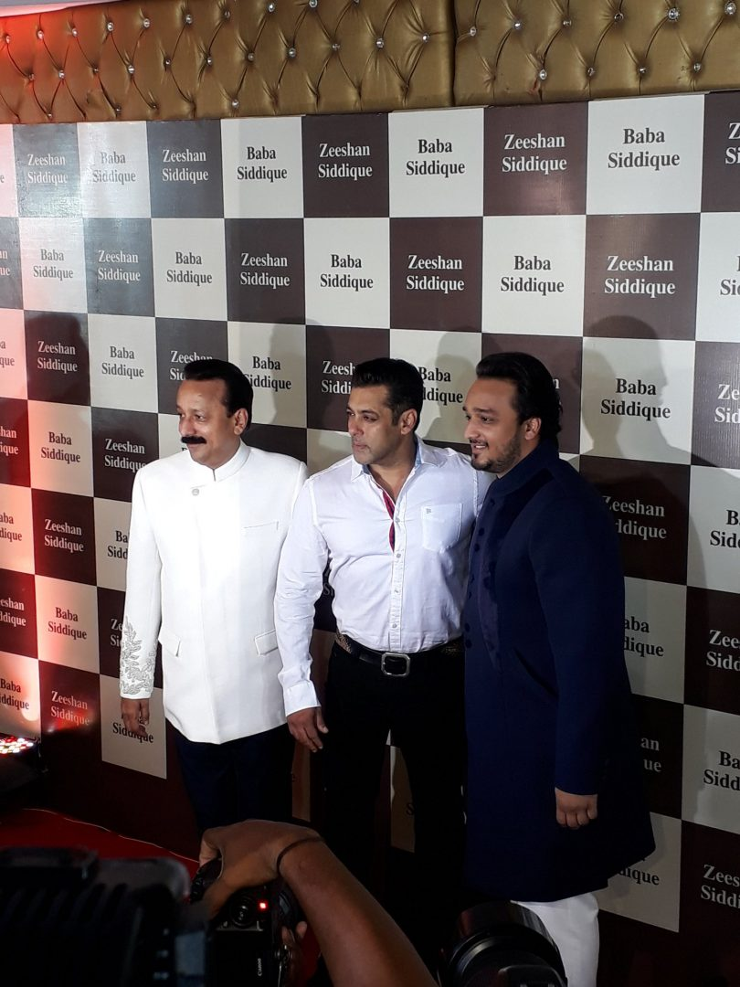 Ramadan Ends – Shah Rukh, Salman Come Together Once More for Iftaar