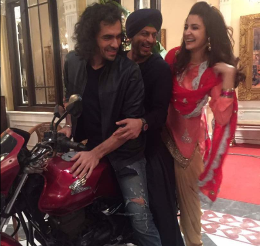 Jab Harry Met Sejal new poster released: Shahrukh and Anushka share amazing chemistry
