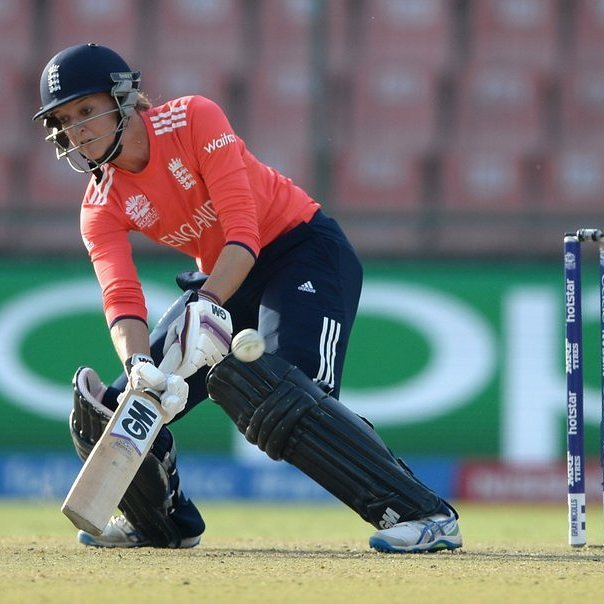 Sarah Taylor Hits Half Century As England Win Thrilling Semi-Final Against South Africa