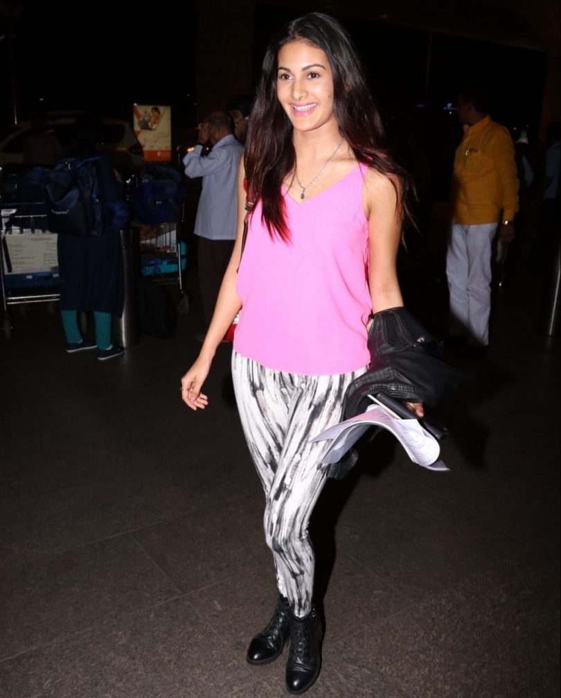 Actress Amyra Dastur spotted at Chhatrapati Shivaji Maharaj International Airport in Mumbai