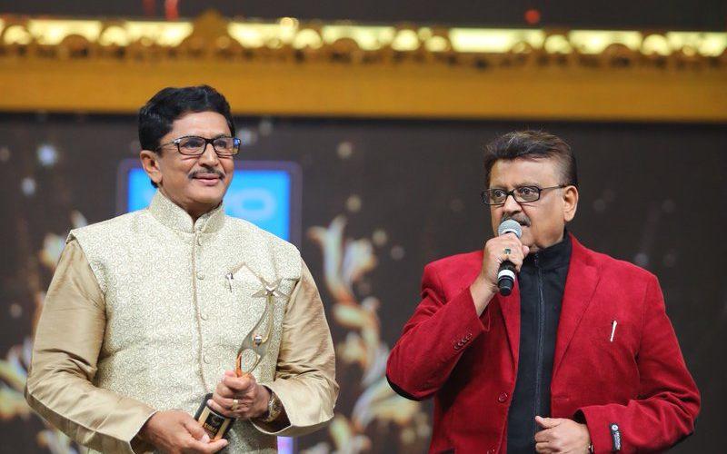 VIVO SIIMA 2017 : Rajkumar and Rakul Preet Win Big As Stars Dazzle On First Day Of Awards Ceremony
