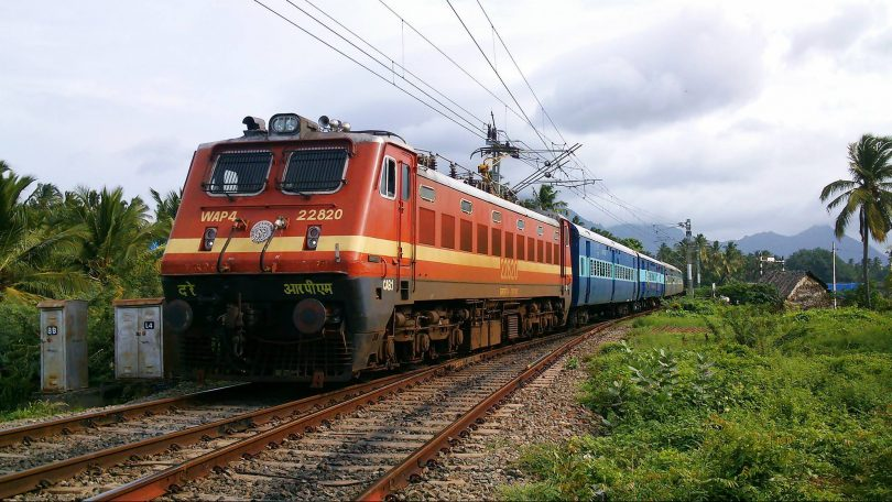 CAG says that the Railway delays the electrification of Project