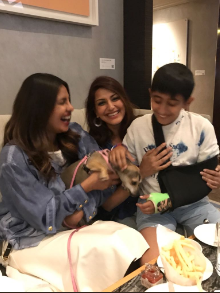 Priyanka Chopra bonds well with Sonali Bendre in New York