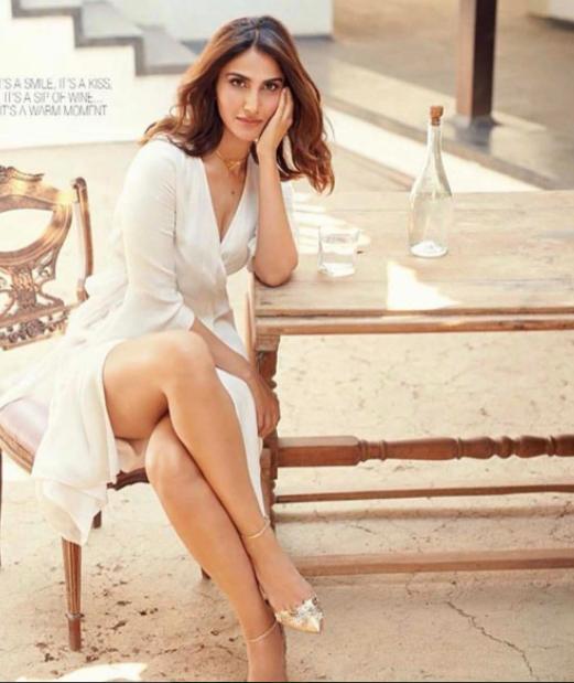 Vani Kapoor flaunts her sizzling look