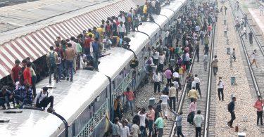 Janmashtami festival 2017: Million worshippers throng on way to mathura