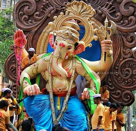 Ganesh Chaturthi: B-Town wishes all love, prosperity