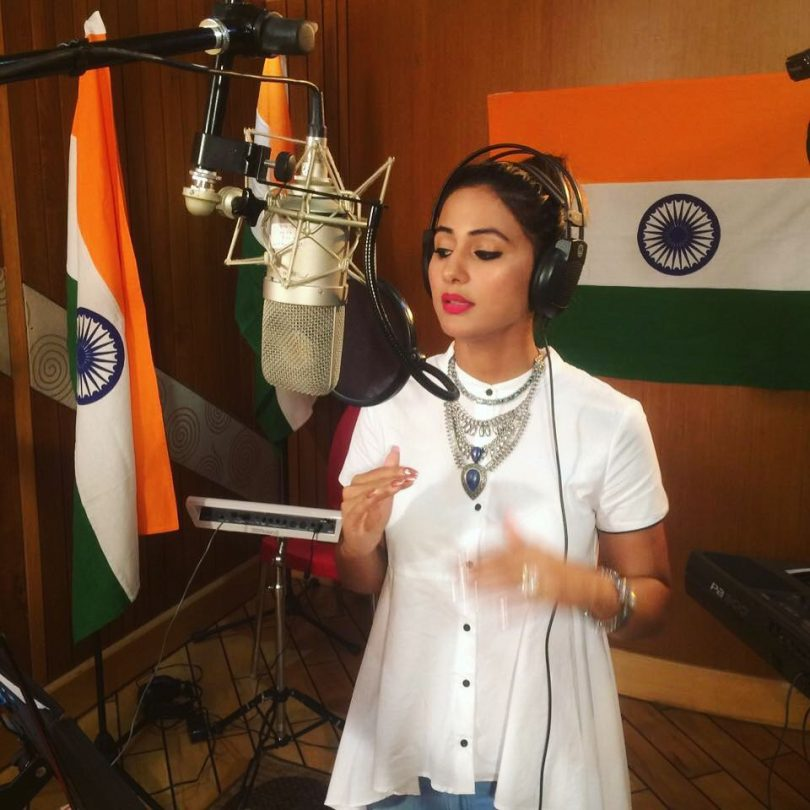 Hina Khan Wins Hearts With Rendition Of Vande Matram On News18