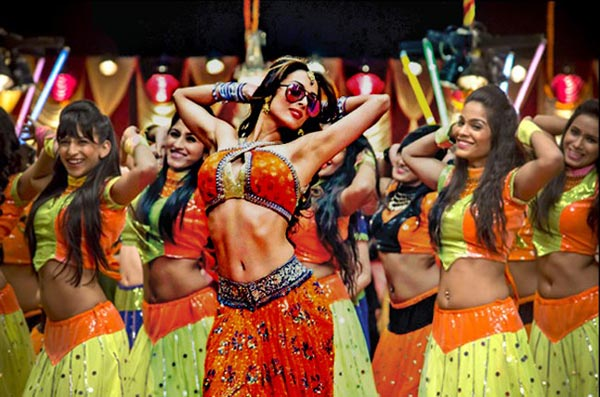 So far, Fashion Khatam Mujh par from Dolly ki Doli in 2015 is her last film appearence. Fashion Khatam Mujh par did not prove to be a highly popular or enjoyable song. Post this song Malaika has gone through up's and down's in her personal life including divorce with Arbaaz Khan. Her next dance performance is still awaited.