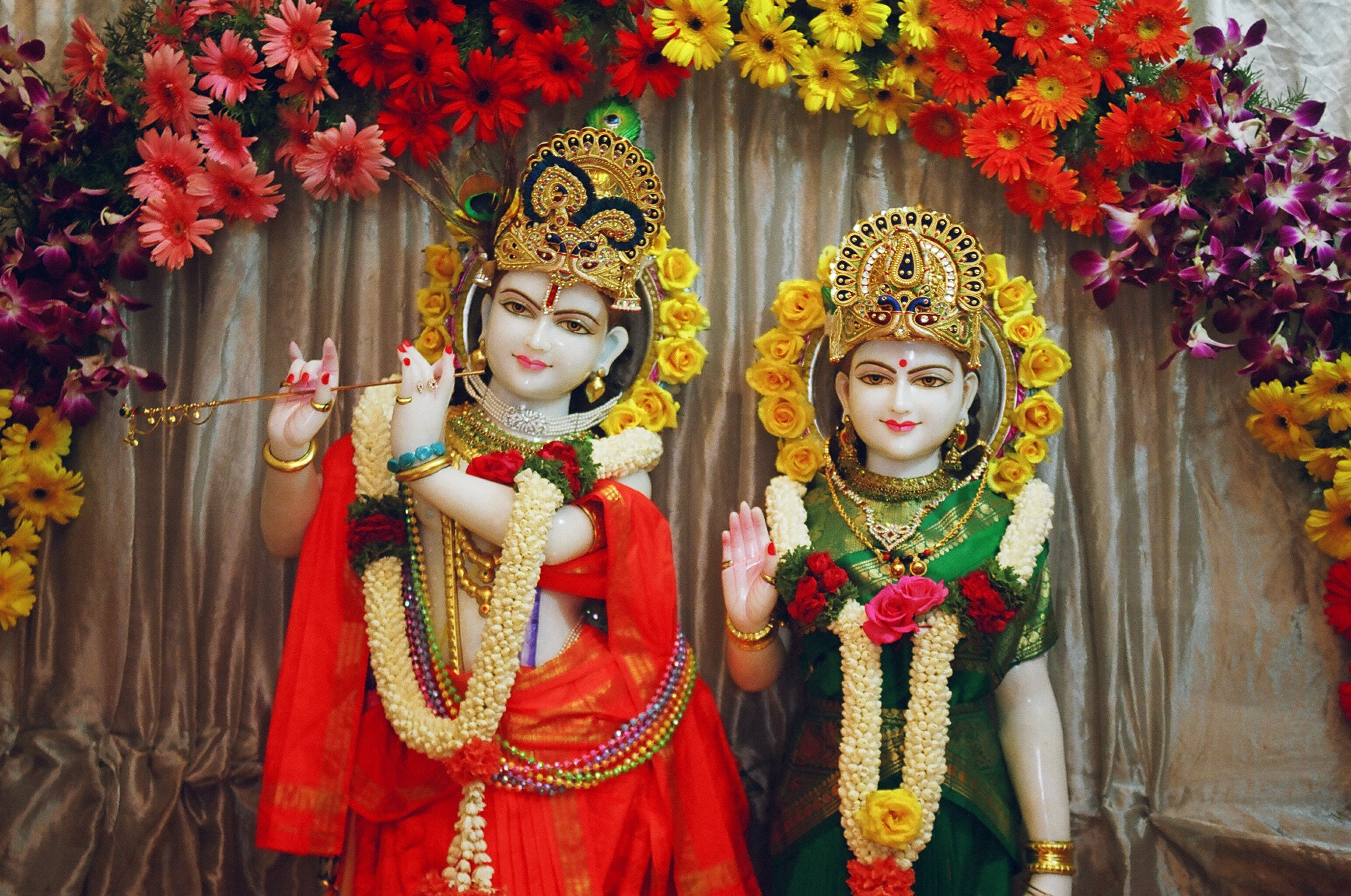 It is the occasion that is celebrated popularly in Mathura where Lord Krishna was born. And the Vrindavan where he spent his childhood. It is also celebrated and observed with much in parts of Gujarat, Rajasthan and in the northeastern states like Assam and Manipur.