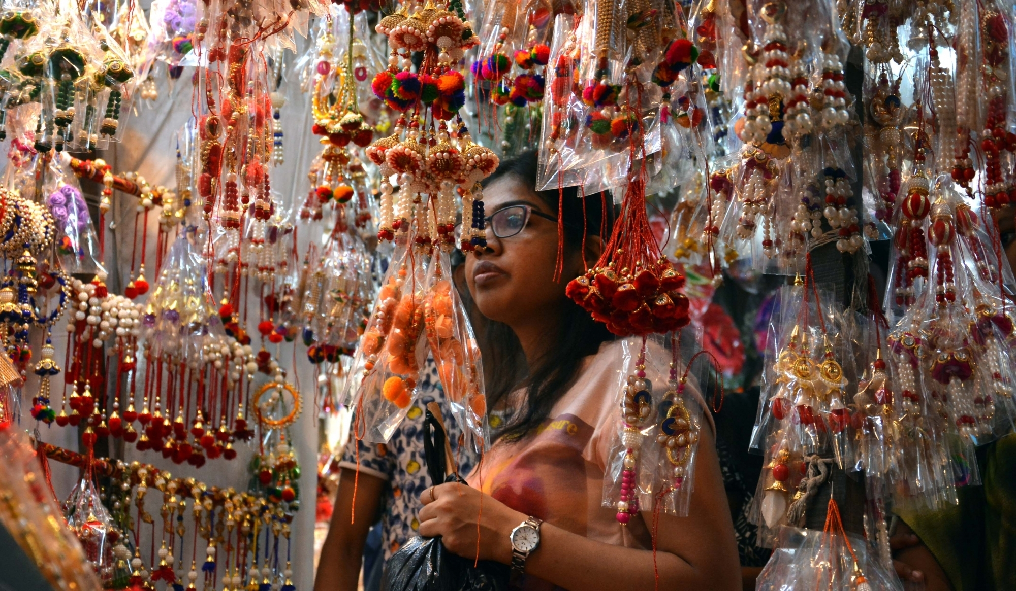 Sisters are busy with Rakhi shopping ahead of Raksha Bandhan