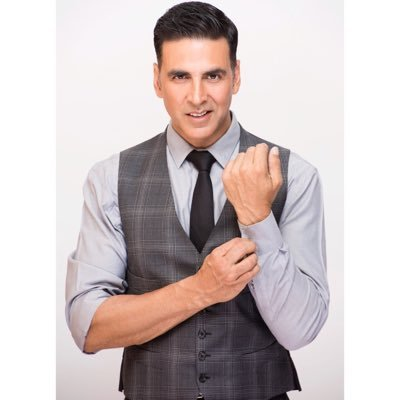 Suneel Darshan praises Akshay Kumar for being very disciplined and a fun loving person