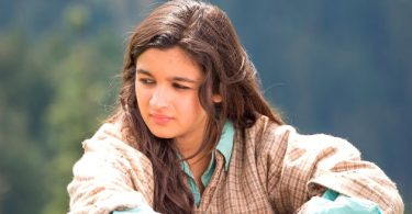 Alia proved her metal with this once in a 10 lifetimes performance as Veera in Highway. Mde by Imtiaz Ali Highway is one of the most prolific film ever in the history of cinema and Alia managed to take the film largely on her shoulder. Her monologues are something every aspiring actor can learn from.