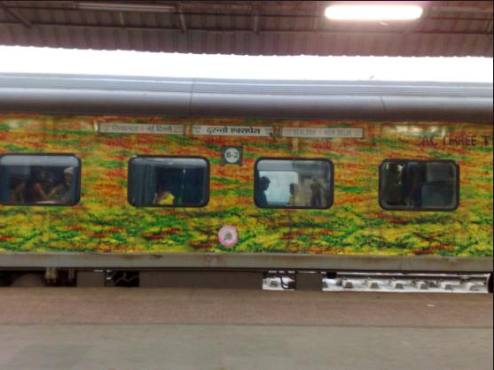 Live Updates: Duronto Express Nagpur-Mumbai Derails; No casualties so far