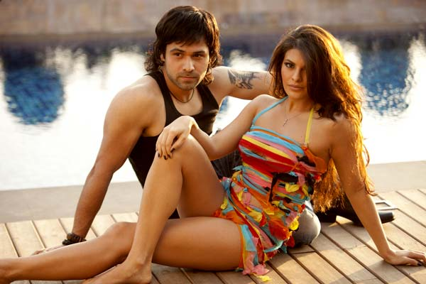 Post Aladin it was a very bumpy ride till she found thriller classic Murder 2. Murder franchise was very popular with Hashmi being on the peak of hsi career. Murder 2 was a smash hit at the box office and from there Jacqueline started to get noticed by big film-makers.