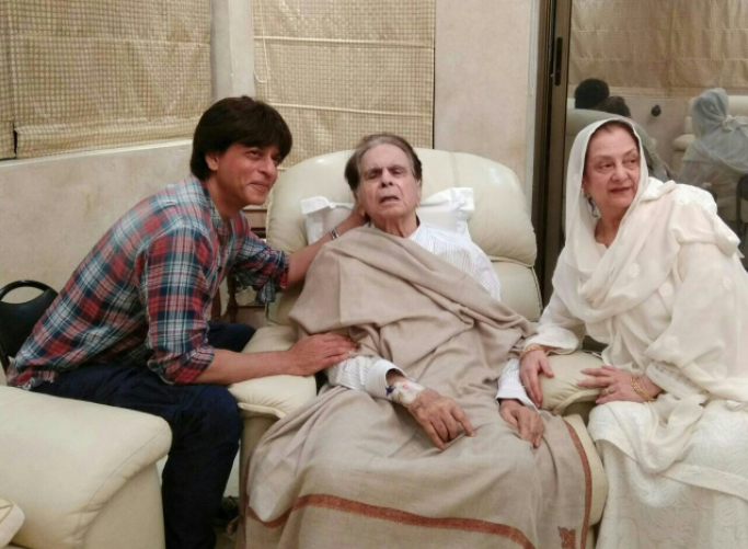 Shah Rukh Khan visits Dilip Kumar after he returns from hospital