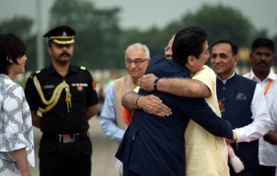 Modi, Shinzo Abe go on a roadshow