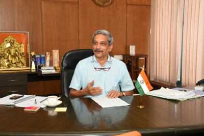 Felt lonely in Delhi due to self-imposed isolation from arms dealers, agents: Parrikar
