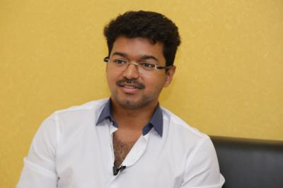 Tamil actor Vijay meets Anitha's parents, expresses condolences
