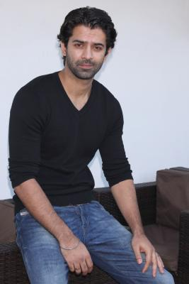 Barun Sobti enjoyed learning tips, tricks about football