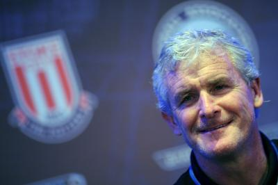 Hughes accuses Mourinho of snubbing handshake after United-Stoke game
