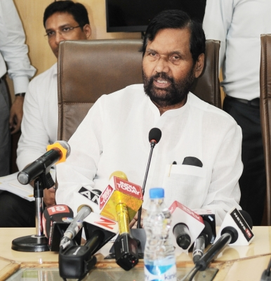Panel to look into complaints against Jaypee Infratech: Paswan