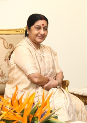 Sushma meets Sri Lankan Foreign Minister