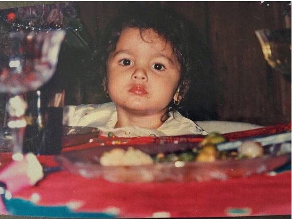Alia Bhatt is a foodie and her instagram throwback childhood picture proves that.