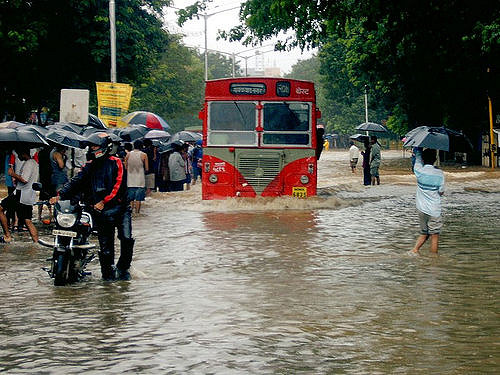 Mumbai Rains Updates: Heavy thundershowers and lightning disrupt flights; No traffic and waterlogging
