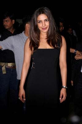 Priyanka shares 'love' for Katrina, SRK, Salman from Jordan