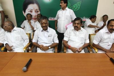 AIADMK MLAs to meet, Dinakaran faction to boycott