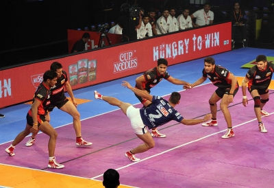 Delhi come from behind to beat Bengaluru in PKL