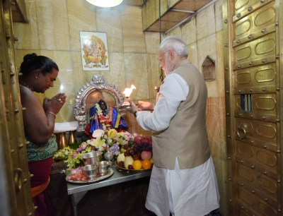 Modi visits Bahadur Shah's grave, prays at Kali temple in Myanmar