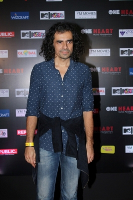 Not right time to make biopic on Rahman, says Imtiaz Ali