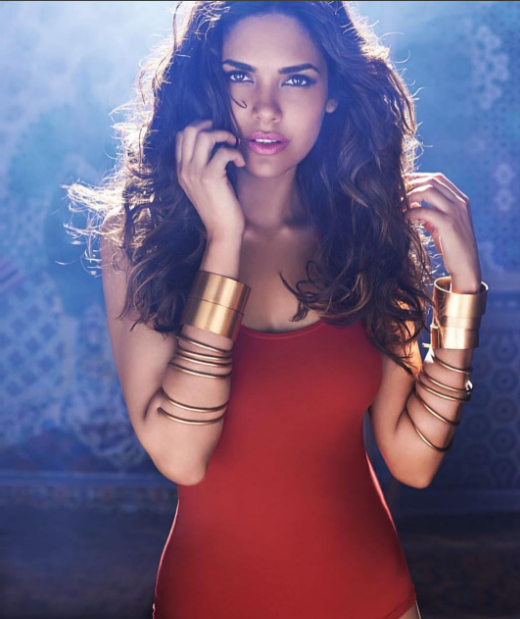 Esha Gupta manages to catch the glimpse with her latest photoshoots