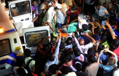 Senior Kannada journalist Gauri Lankesh shot dead in Bengaluru (Fourth Lead, with Image)