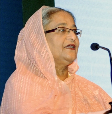 Hasina visits Rohingya camps in Bangladesh as influx continues