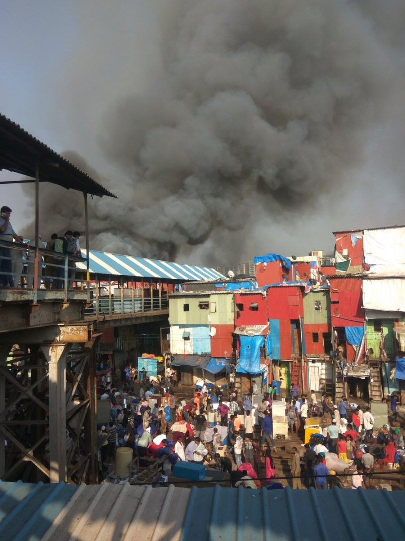 Fire in Bandra Garibnagar Slums, train tracks closed as authorities try to control the situation