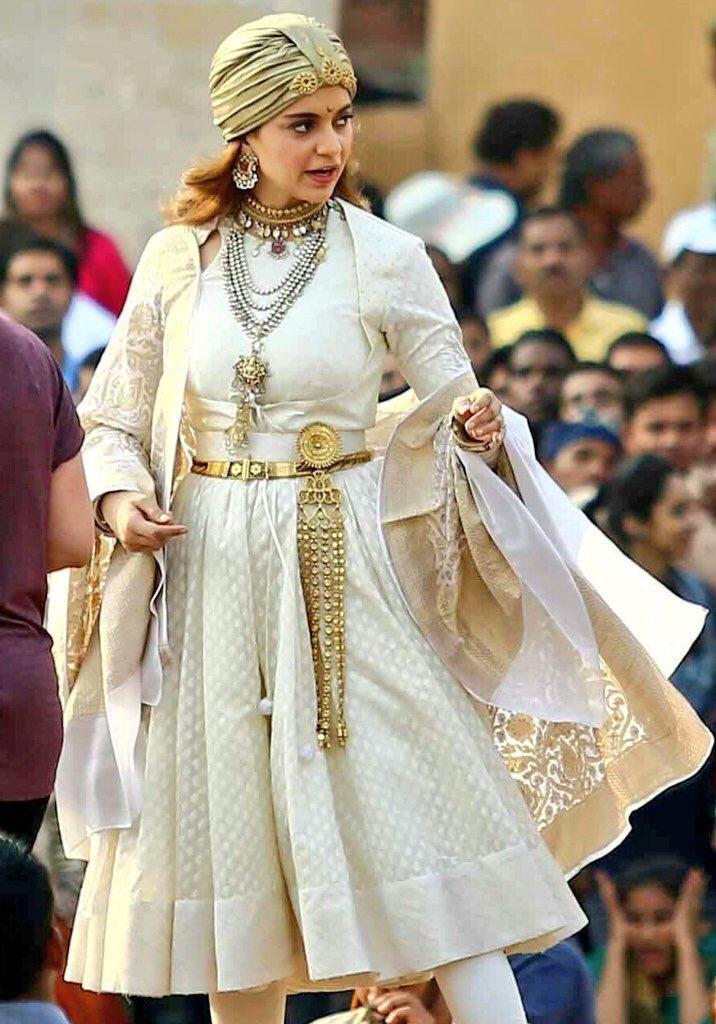 Manikarnika: Kangana Ranaut looks commanding as the Jhansi ki Rani in behind the scene pics