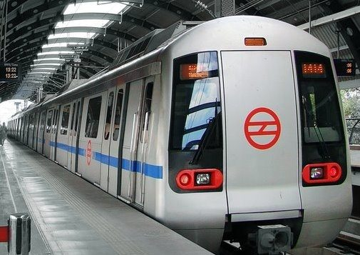Delhi Metro Violet Line services interrupted due to a technical fault.
