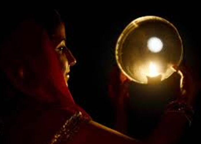 Karwa Chauth 2017: Moon rise time in Delhi, Mumbai, Gurgaon, Noida and Faridabad