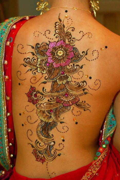 Breath-taking tattoo mehndi design