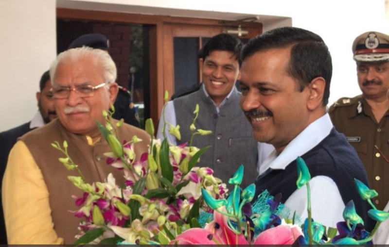 Arvind Kejriwal meets Haryana CM Manhohar lal khattar to discuss Smog and Pollution