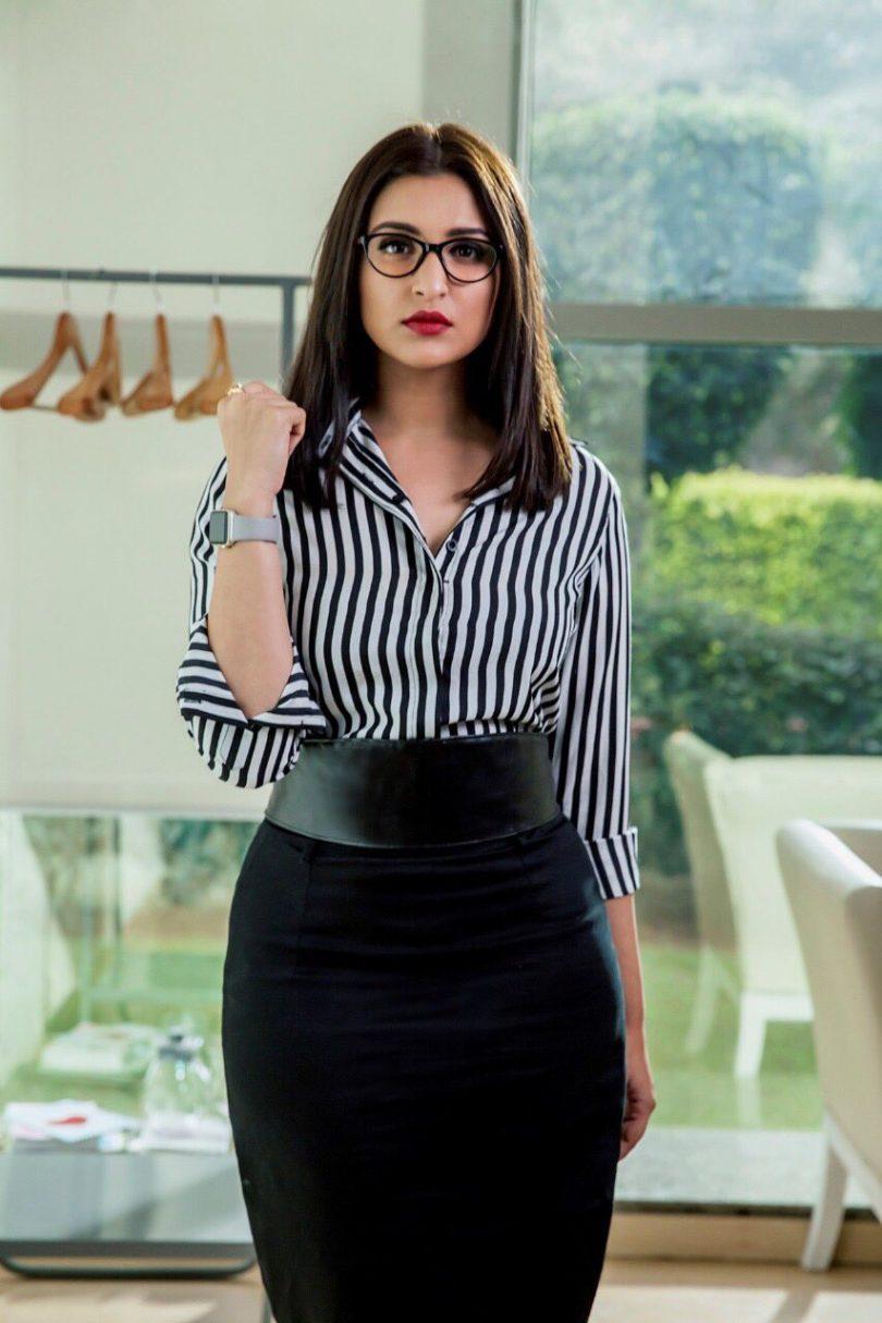 Sandeep aur Pinky Faraar First look, Parineeti Chopra looking amazing in the Corporate look