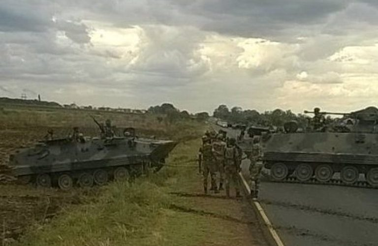 Zimbabwe crises: Army takes control Over Capital Harare, citizens advised to stay indoor