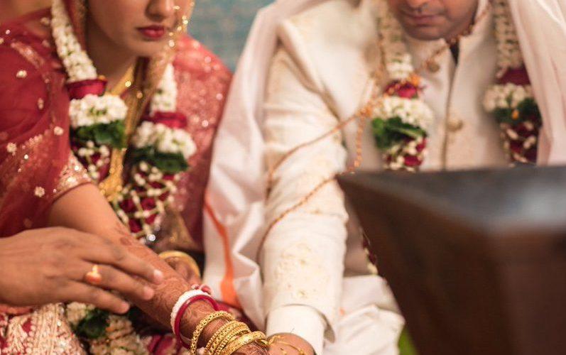Firangi Actress Ishita Dutta Marries Vatsal Sheth Kajol And Ajay Devgan Attends Wedding