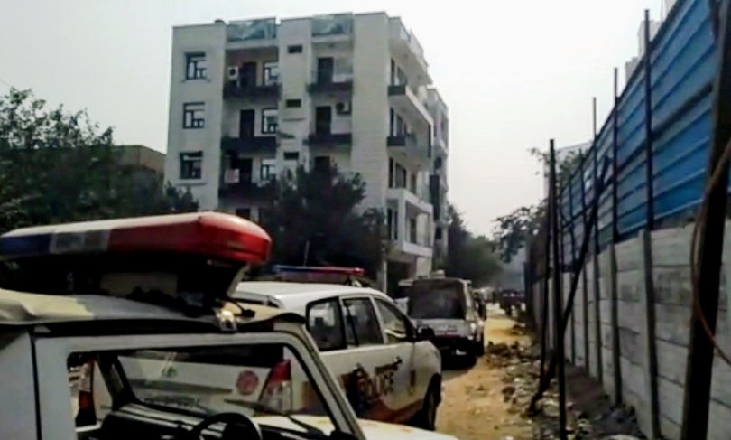 Shootout in Delhi's Dwarka, between Police and Criminals, five men held with weapons