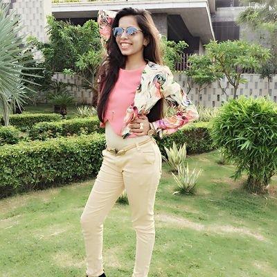 Dhinchak Pooja graces Entertainment KI Raat, says she sings better than Lata Mangeshkar