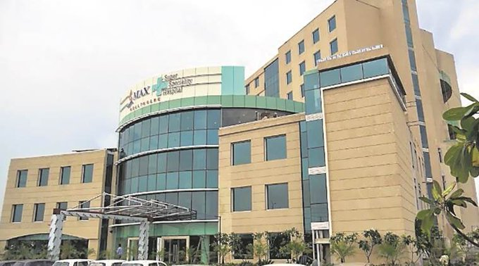 Max Hospital gets stay on Kejriwal govt's order to cancel its license